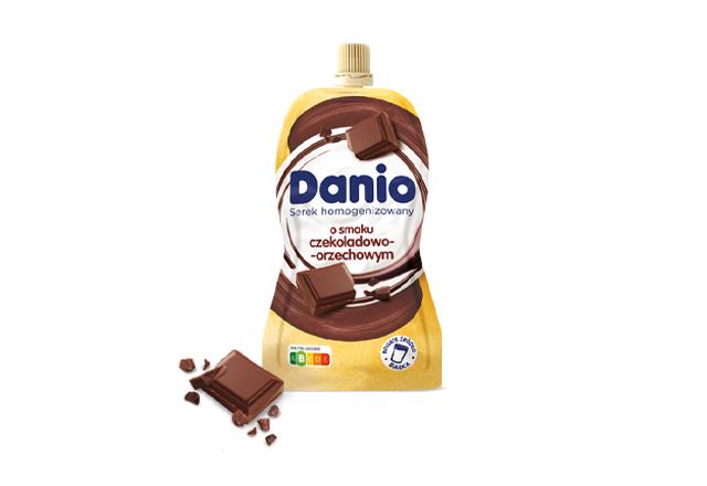 Serek homogenizowany Danio o smaku czekoladowo-orzechowym w saszetce
